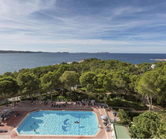 Ibiza todo incluido 369€/p= 7 noches en hotel 3* con TI + vuelos desde Barcelona