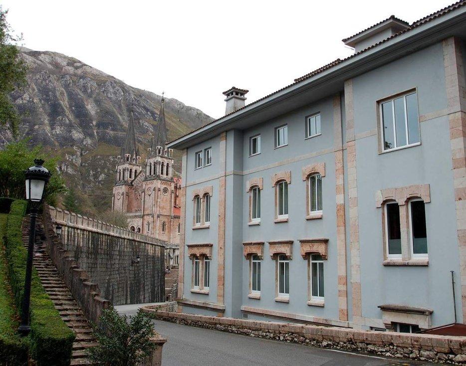 Hotel 4 * en los picos de Europa en Julio  4 noches x 222€ a 111€ por persona