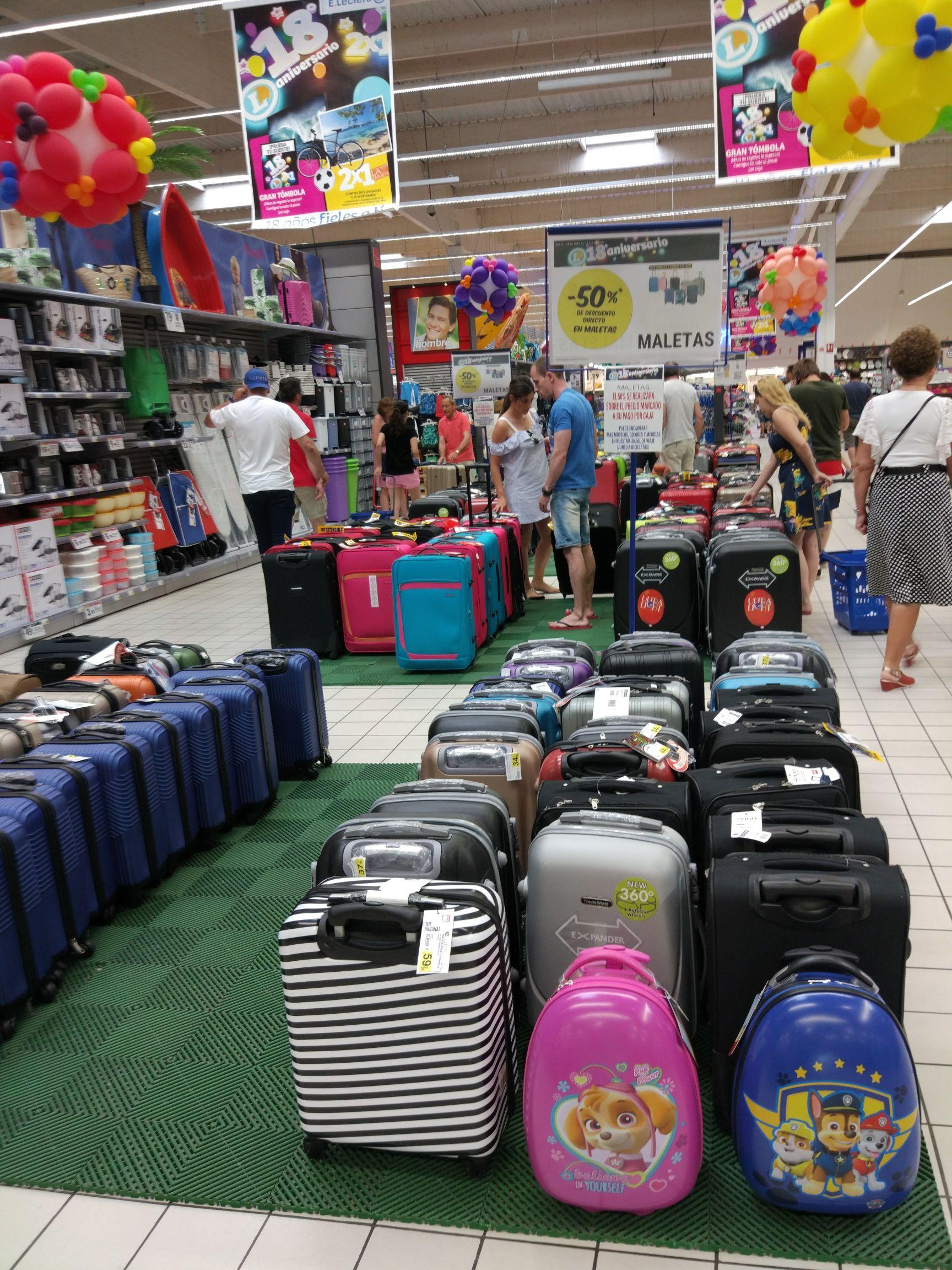 Maletas de viaje al 50% en E.Leclerc de Salamanca