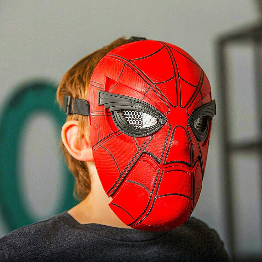 Conviertete en Spiderman con Sentidos Arácnidos y aracno-visión. Figura y mascara de Hasbro, claro...