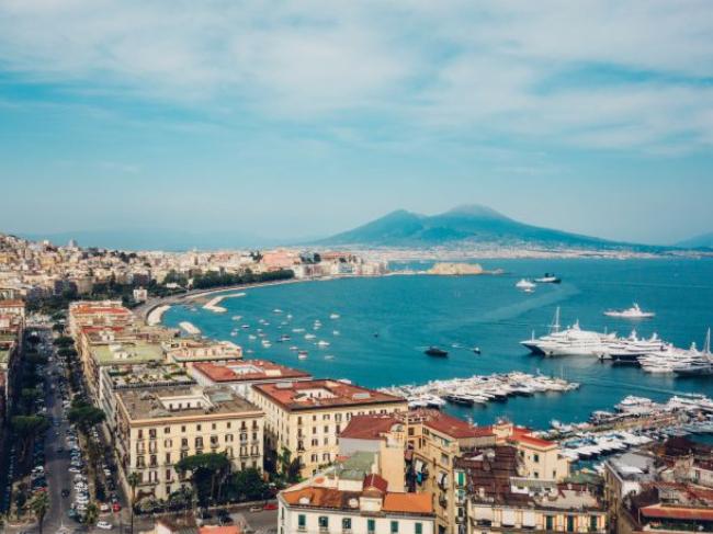 Vuelo (ida y vuelta) Barcelona-Nápoles solo 35€