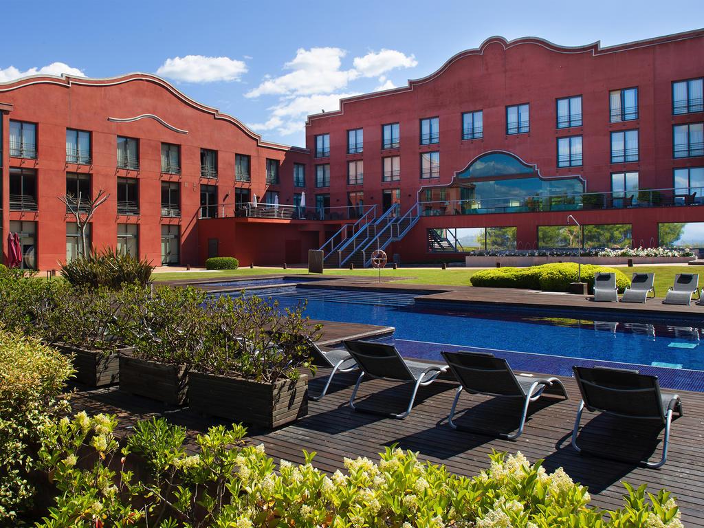 Hotel Barcelona Golf Resort & Spa 4*