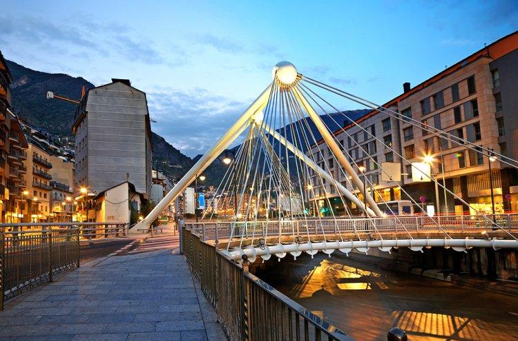 Andorra 62€/p=2 noches en Hotel 4* con Media Pensión y Spa