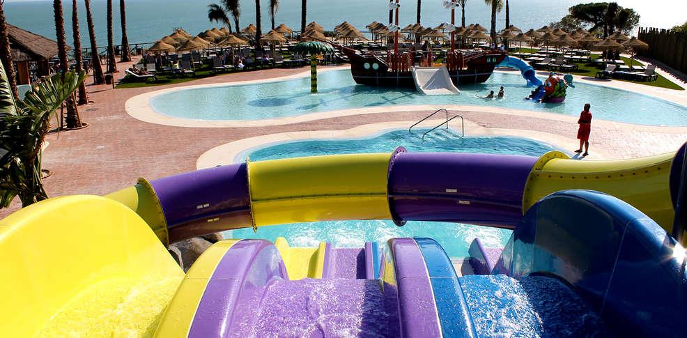 Fin de semana en Huelva: 2 noches en hotel 4* con pensión completa, 1er niño gratis y parque acuático incluido
