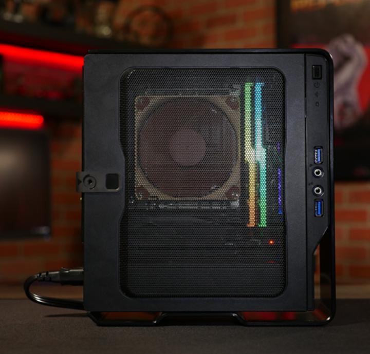 MiniPC Ofimatica/Gaming R5 2400G / 16Gb 3000Mhz / SSD 480Gb (compacto 24x21x8cm)