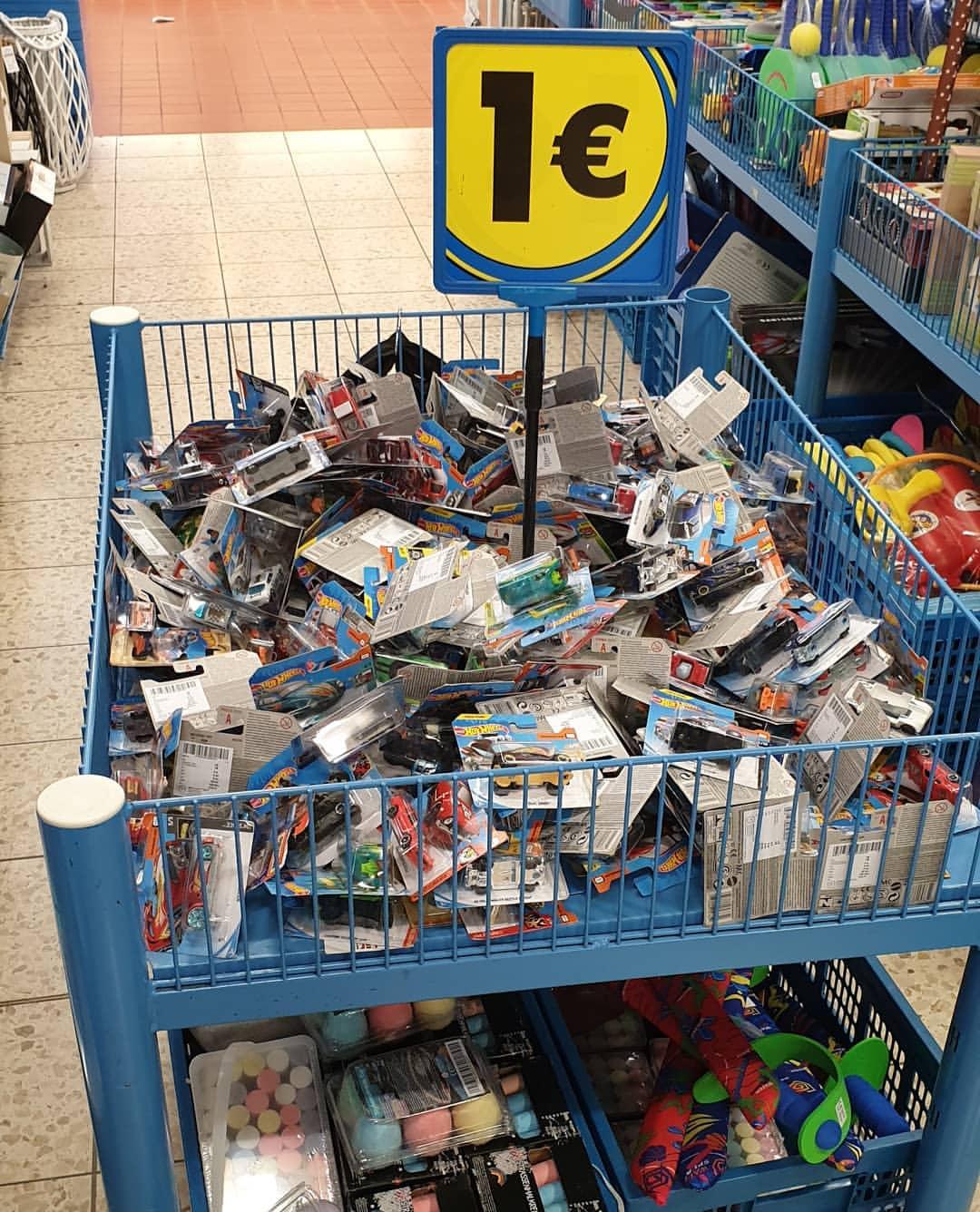 ¡¡Coches Hot wheels y Matchbox en Tedi a 1€!!!