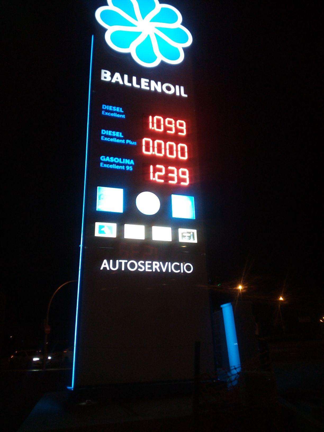 Apertura gasolinera Ballenoil-  Diesel 1,09€ Gasolina 1,23€ (Junto a la M-40)