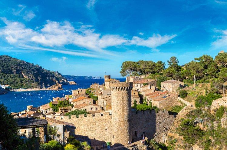 AGOSTO - 4 dias en hotel 4* en Tossa de Mar con Media Pensión desde 139€ por persona