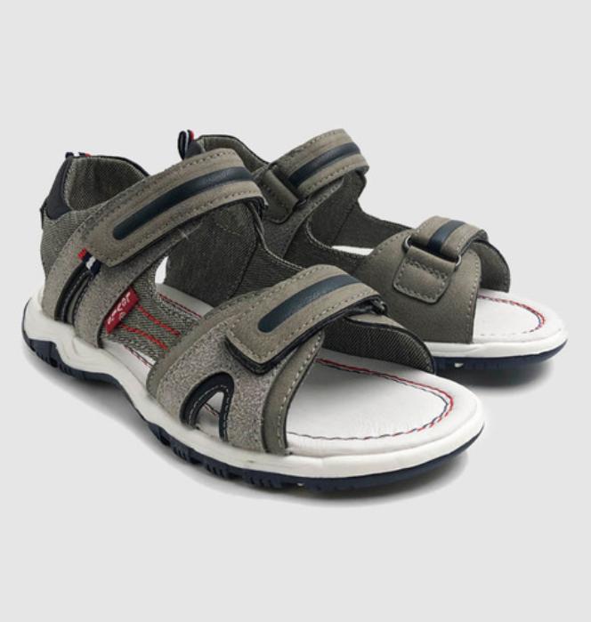 Sandalias para niño de Levi´s talla 34