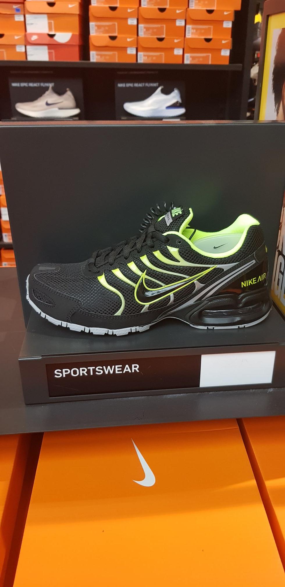 Air Max torch 4 (Nike store parc valles en Terrassa)