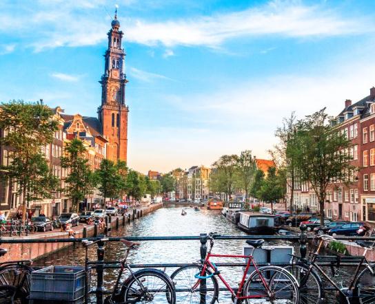 Enero Amsterdam 120€/p= 2 noches en céntrico hotel con desayuno + vuelos desde Gerona