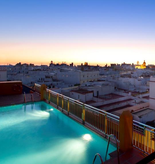 Noche de Reyes en Cádiz: Hotel Spa 4* por  22€ la noche