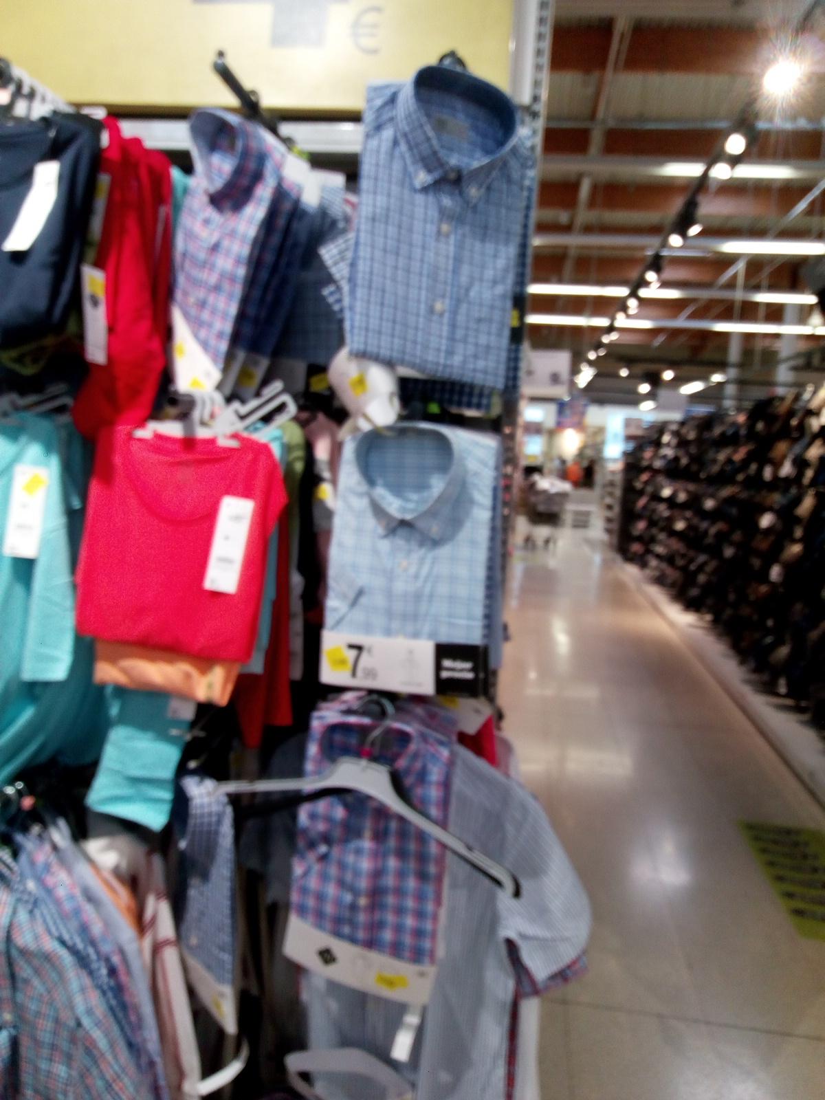 Camisas talla S manga corta Carrefour Macarena Sevilla