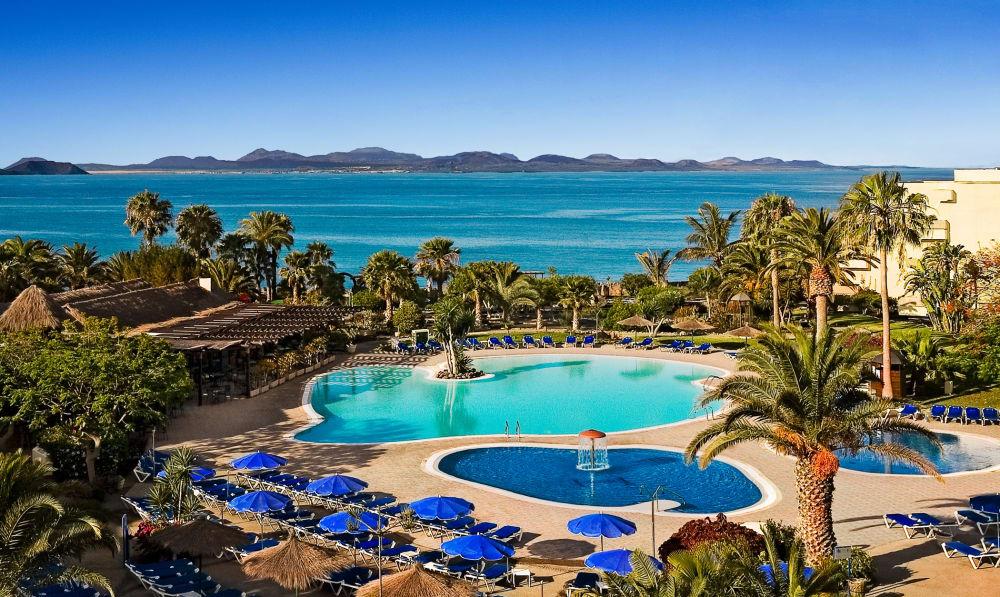 Navidad en Lanzarote en Hotel 4* con Media Pensión por 26€