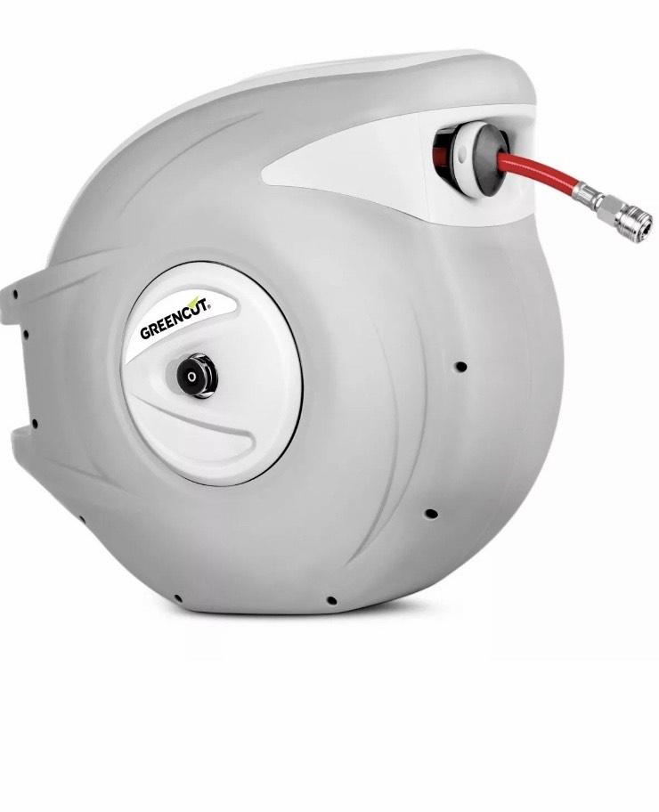 Manguera + enrollador automatico de aire 30 metros con soporte pared -GREENCUT
