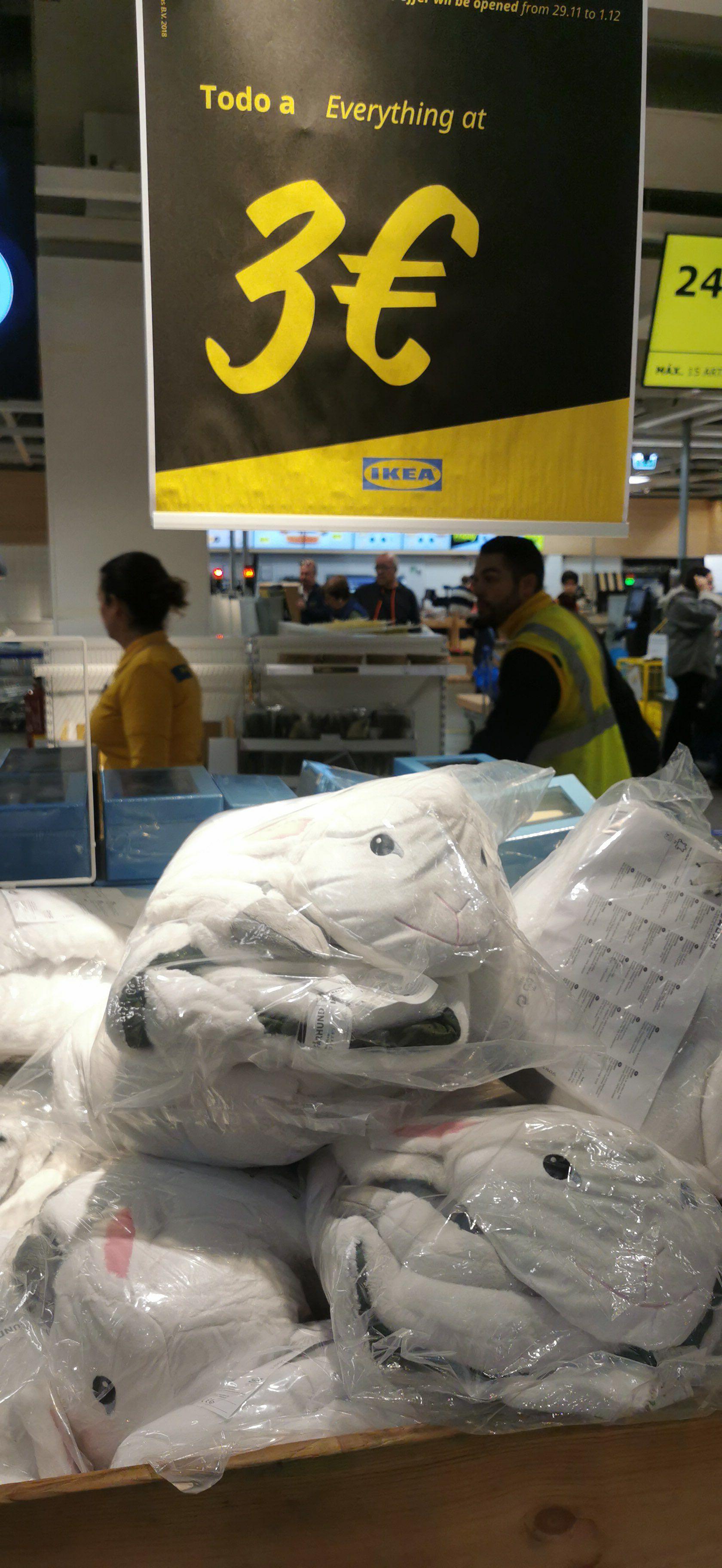 Alfombra ovejita - IKEA (Murcia)