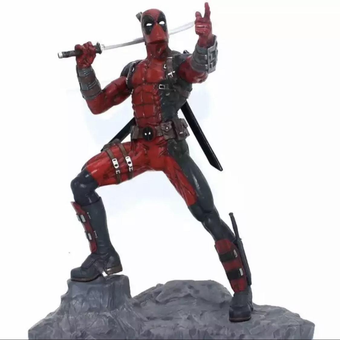 Figura de resina Deadpool