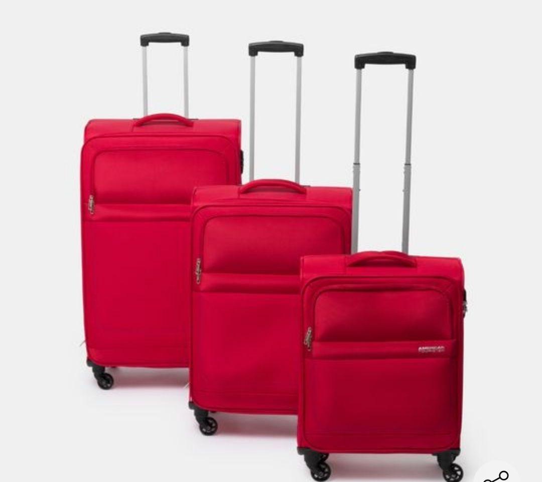Conjunto de tres maletas American Tourister