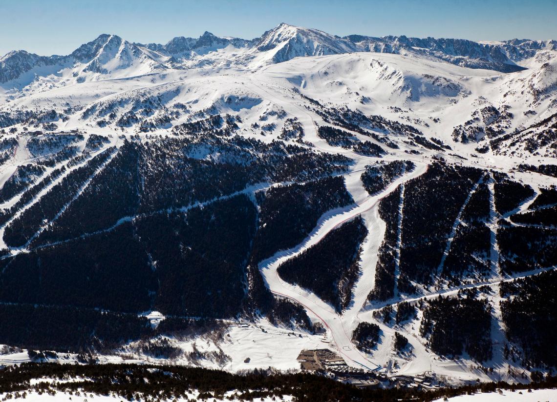 2 días de esquí en Grandvalira + 1 noche en Hotel 3* [5 y 6 de enero]