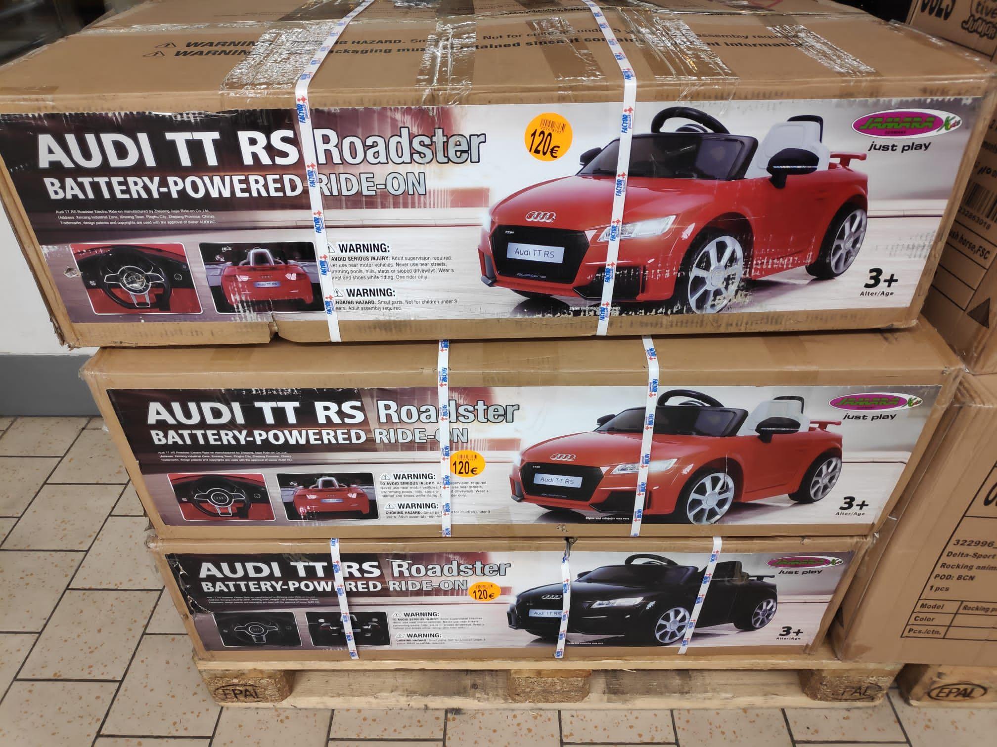 Audi TT RS roadster coche eléctrico para niños y futuros macois( Lidl outlet de Vallecas)