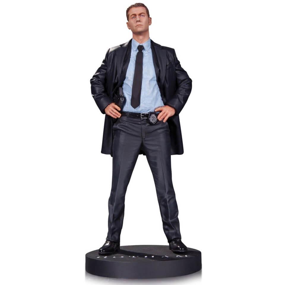 Estatua de James Gordon - Gotham - DC Comics (33 cm de altura). De Superman por 28,99€ (21 cm)