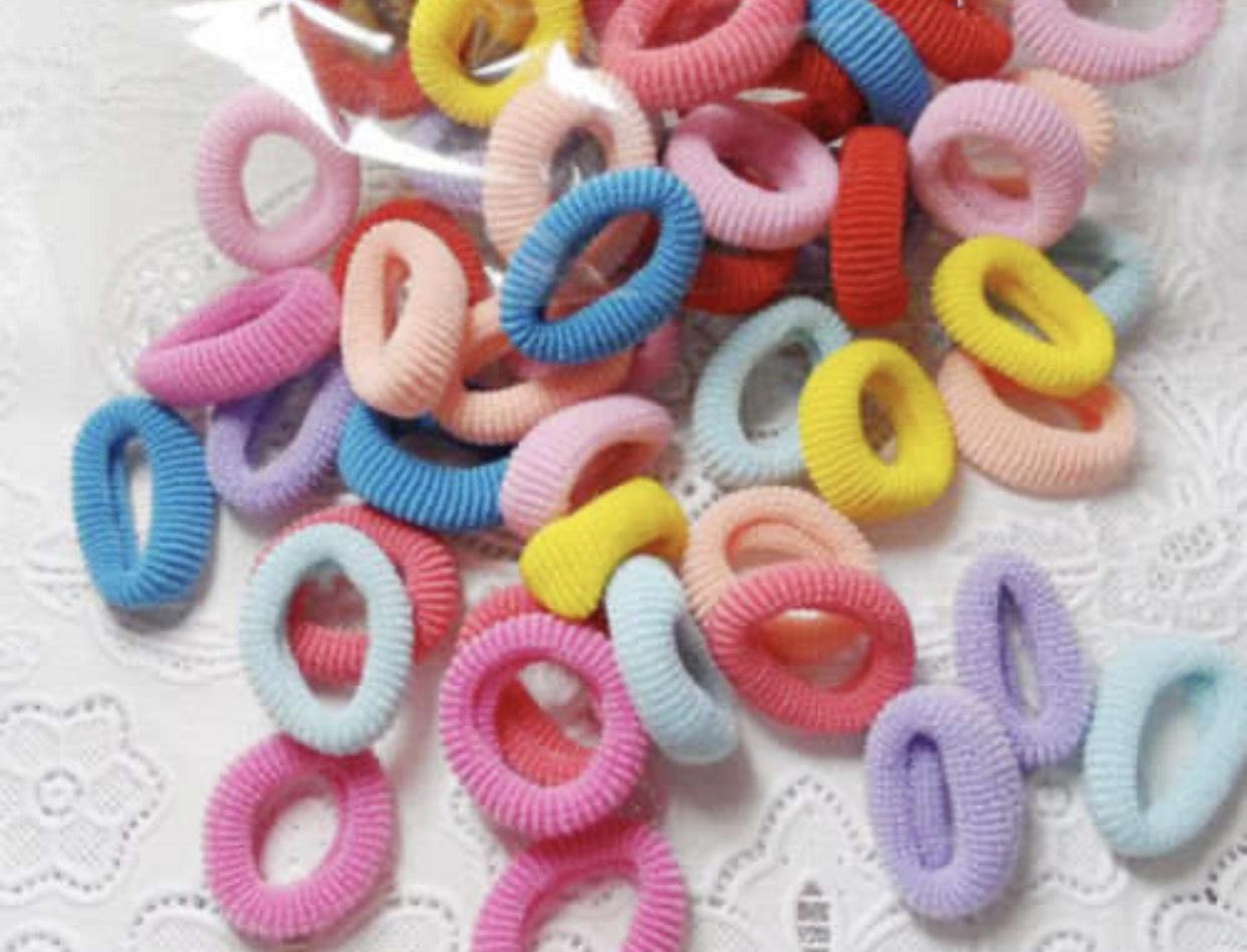 100 gomas multicolor para el pelo solo 0,8€