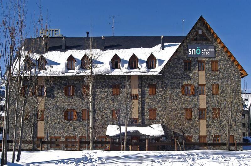 2 noches con desayuno en Hotel 3* + 2 días de esquí en Boí Taüll [Del 31 de enero al 2 de febrero]