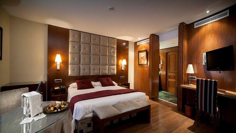 Romanticismo y gastronomía en la Sierra de Gredos en hotel 4*