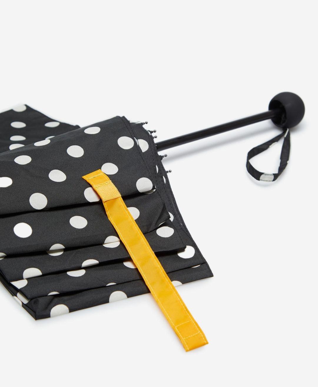 Paraguas plegable Cortefiel