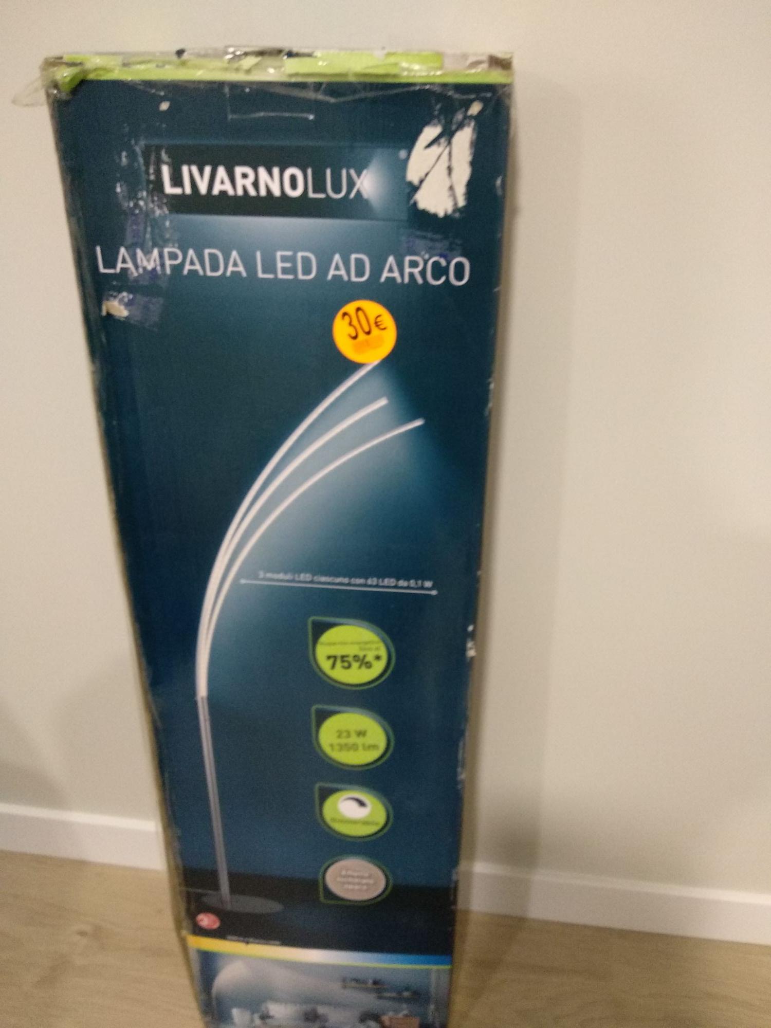 Lámpara Led de pie Lidl Factory de Vallecas