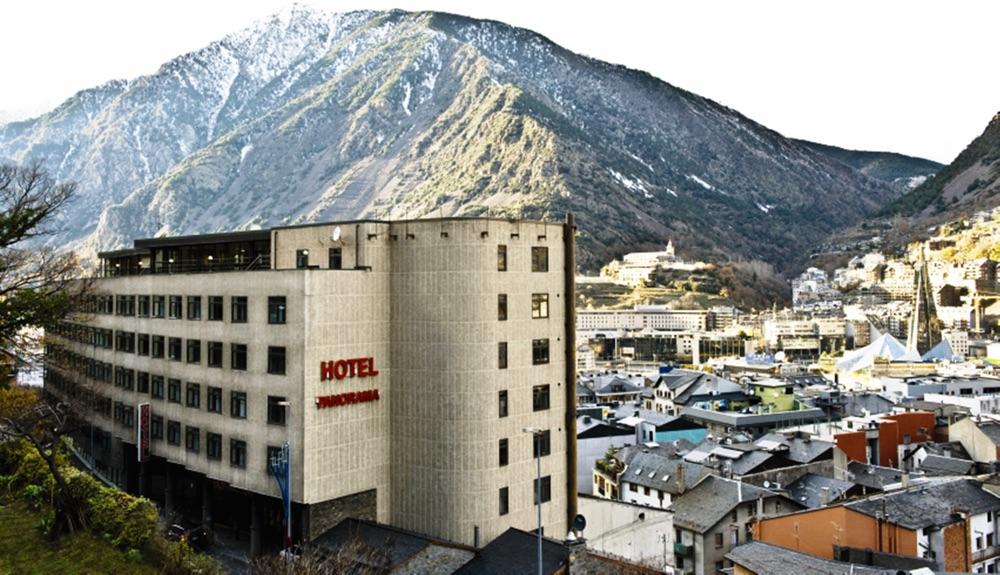 Hotel 4* en el centro de Andorra con spa y piscina + 1 día de esquí