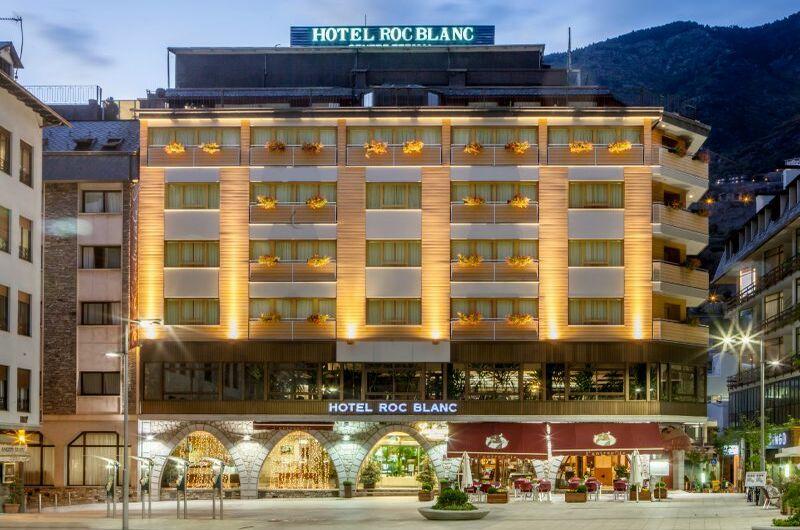 San Valentin en Andorra | 2 Noches Roc Blanc + cena romántica + SPA + Cava + desayuno (habitación superior)