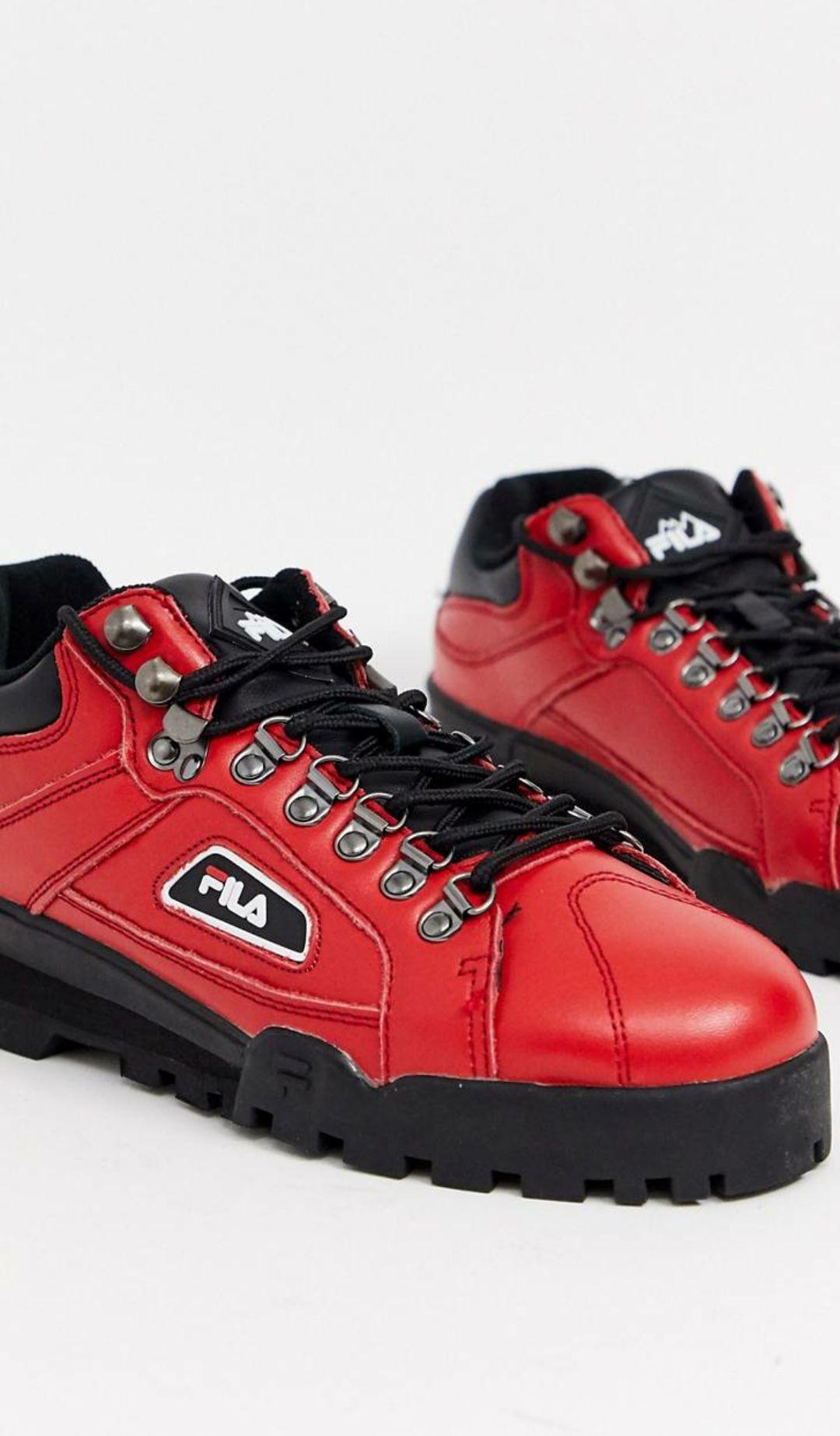 Zapatillas estilo excursionista de FILA