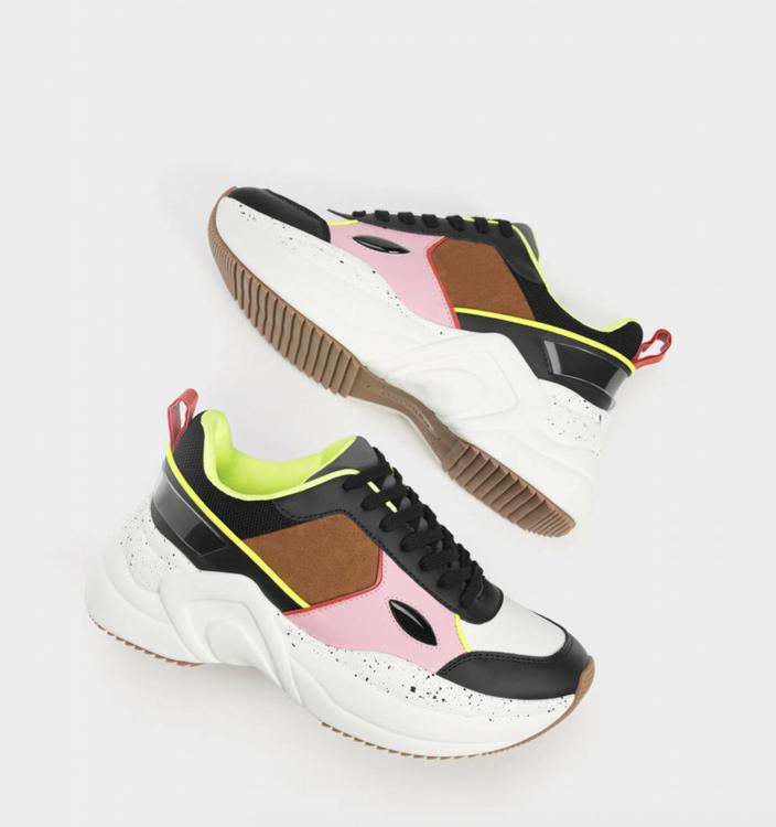 Bershka 80% en zapatos