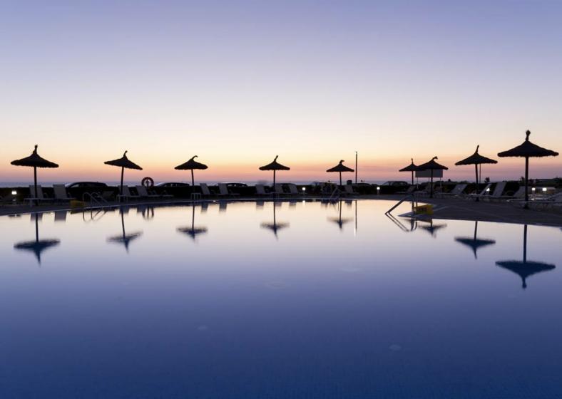 Puente de Mayo (3 noches) en Menorca 152€/p= Hotel 4* con media pensión + vuelos desde Valencia