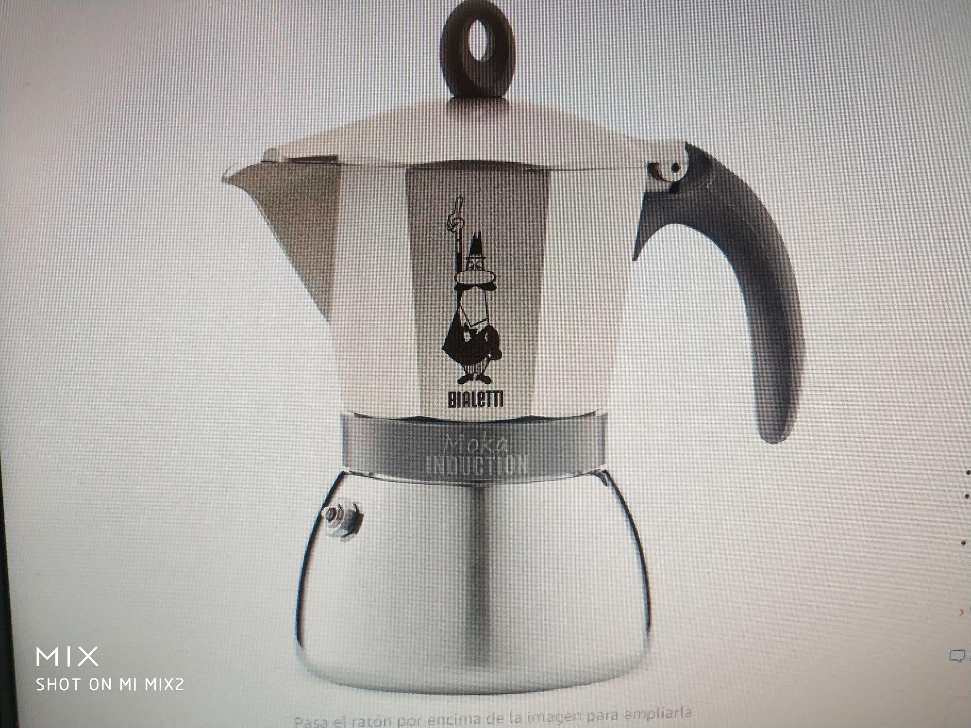 (Reacondicionada) Bialetti Moka Induction, cafetera con Base de Acero para inducción, Color Oro 6 Tazas