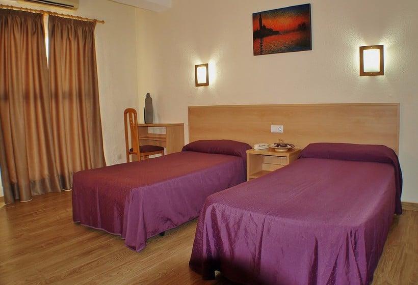 Hotel de 3 estrellas con media pensión en Torremolinos