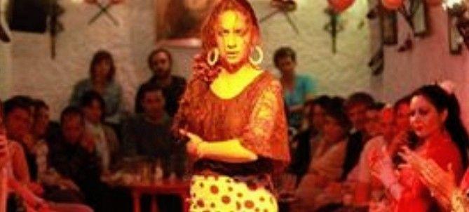Descubre Granada: 2 días con hotel 4*+ cena en Cueva Los Tarantos y Tablao Flamenco desde 58€ por persona(también en verano).