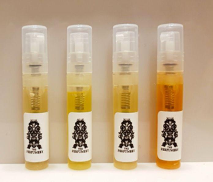 Recibe Gratis dos muestras de perfume niche