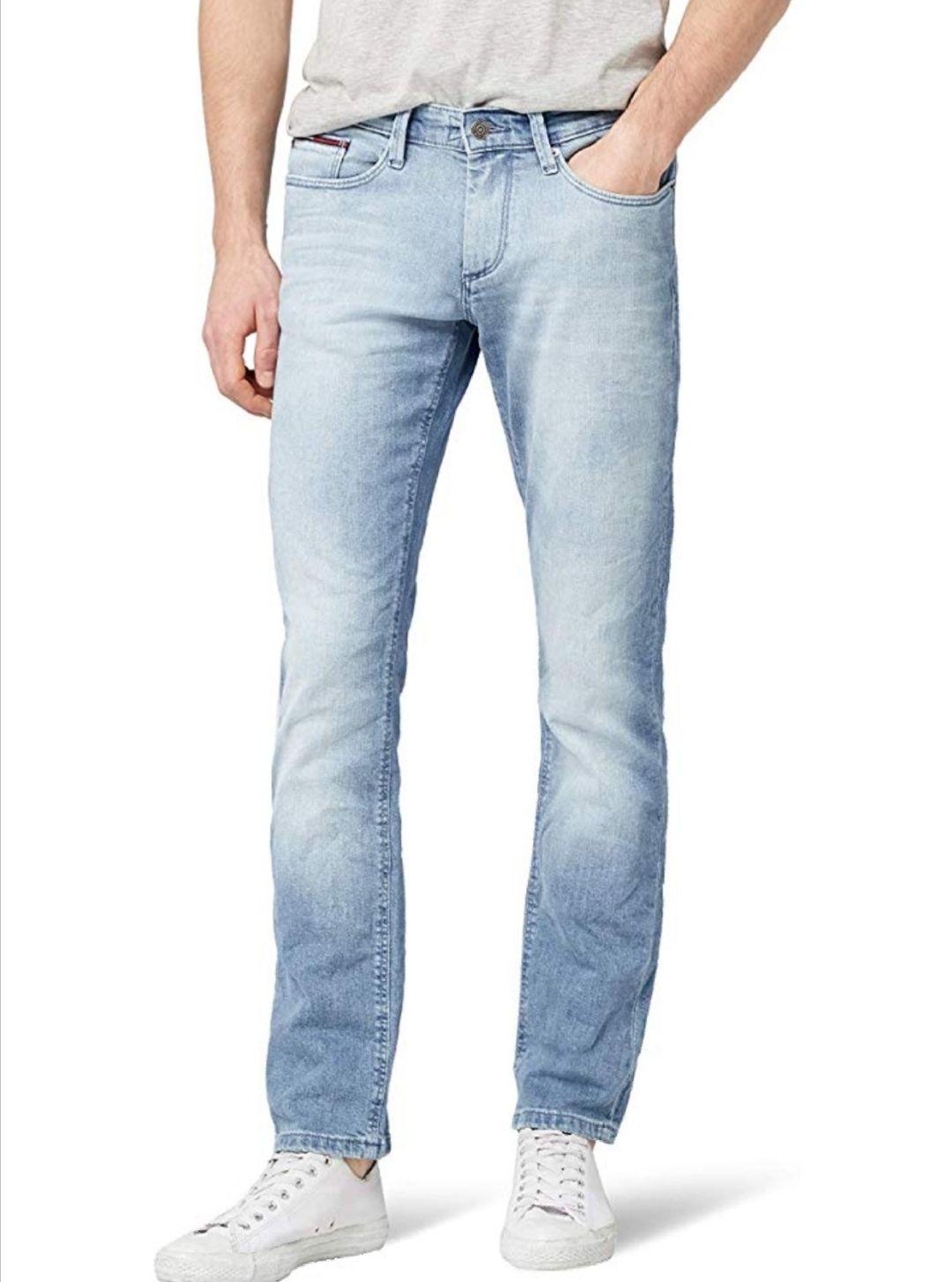 Tommy Jeans vaqueros hombre.