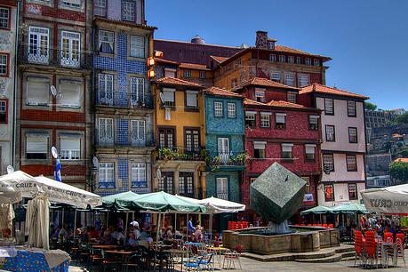 MARZO 3 días Oporto 115€/p= alojamiento y desayuno en hotel 3* + vuelos desde Madrid