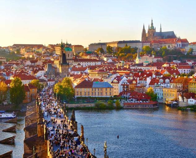 MAYO Vuelos a Praga desde 44€