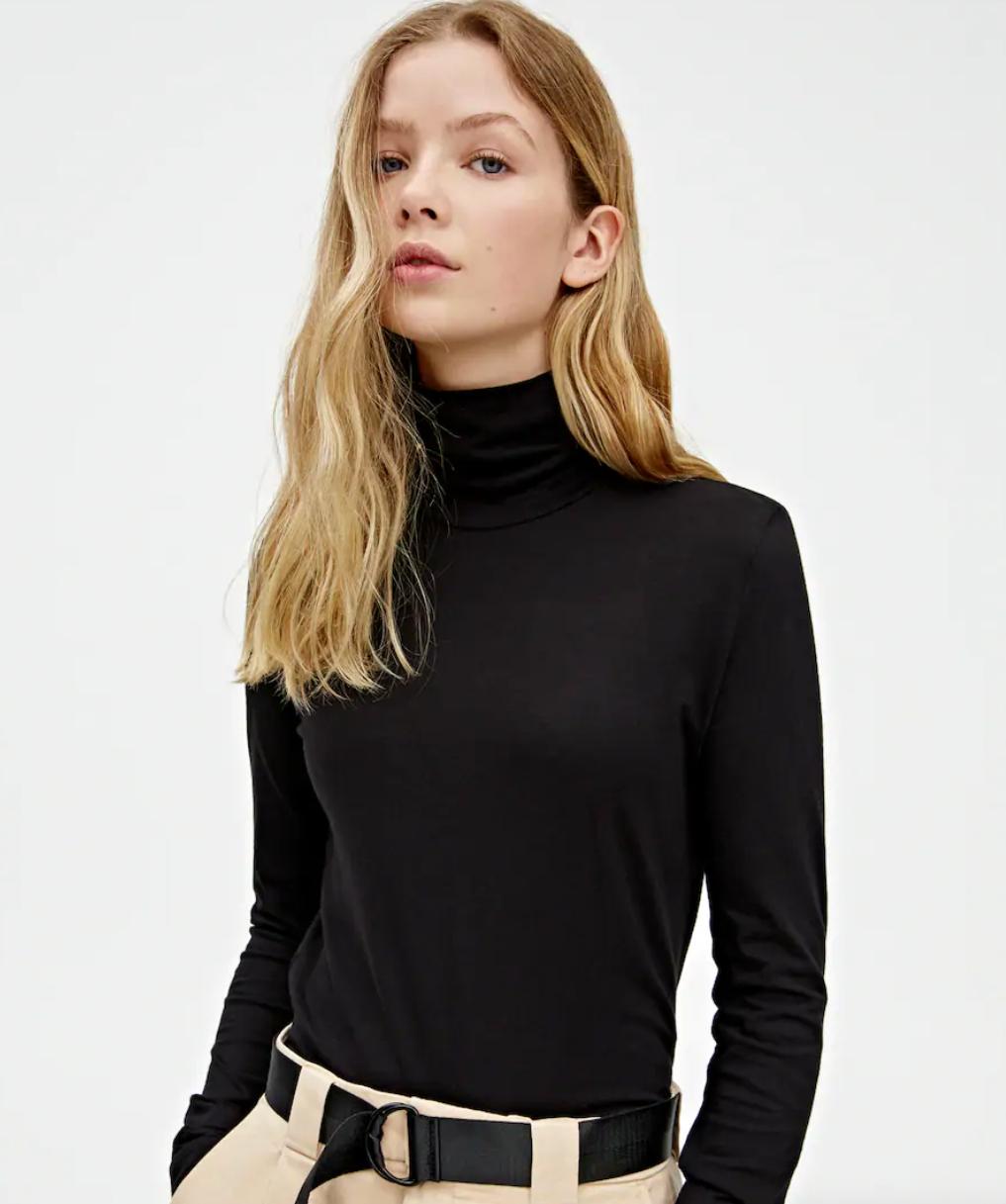 Camiseta cuello alto Pull&Bear talla S