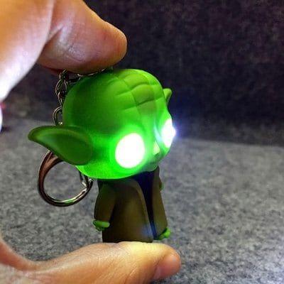 Llavero Yoda con luz 0.50 €