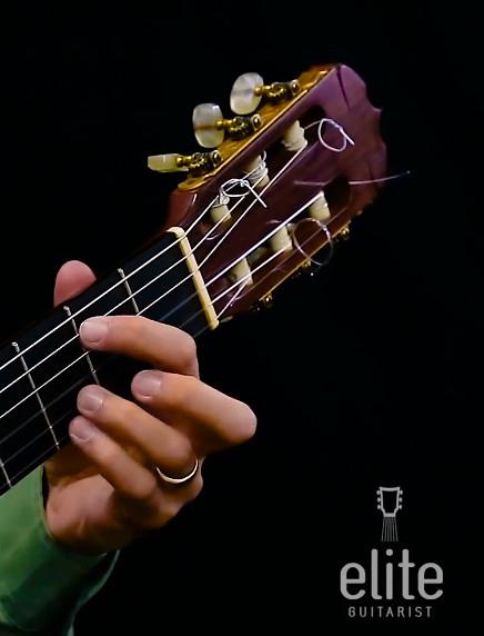Un mes de lecciones de guitarra española (GRATIS)