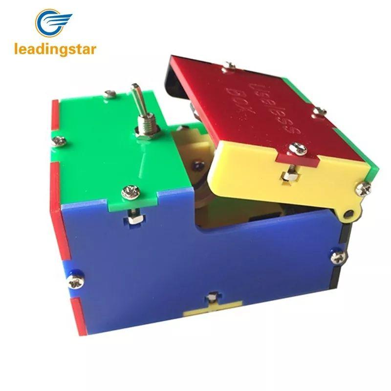 Fantastica caja Inutil en estilo arlequin!