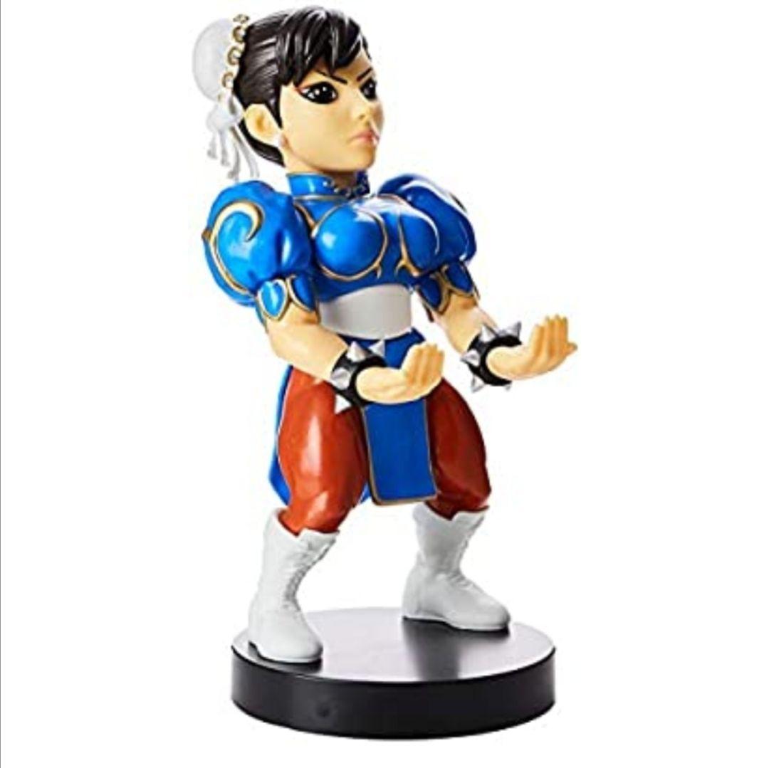 Exquisite Gaming - Cable guy Chun Li, soporte de sujeción y carga para mando de consola y/o smartphone