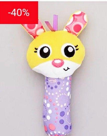 ¡Un juguete muy divertido para las manitas del bebé! - Sonajero de 'conejo'