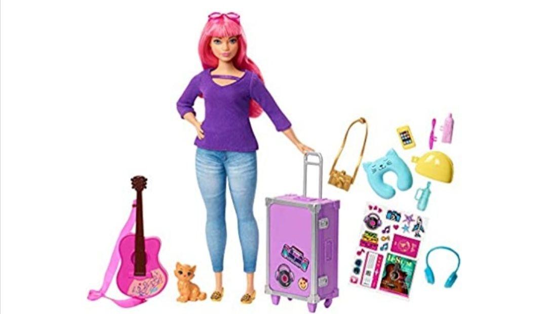 Barbie Travel Doll Vamos de Viaje, muñeca Daisy con accesorios