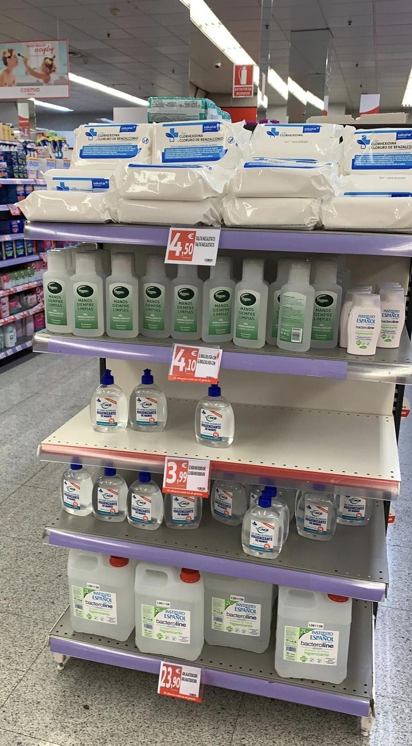 Geles hidroalcoholicos y toallitas desinfectantes